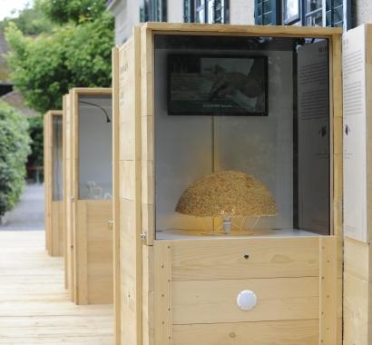 Frisch Geflochten Strohmuseum im Park